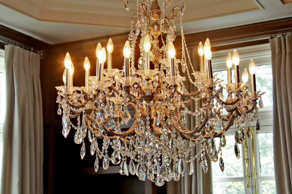 crystal chandelier with lights that look like candles