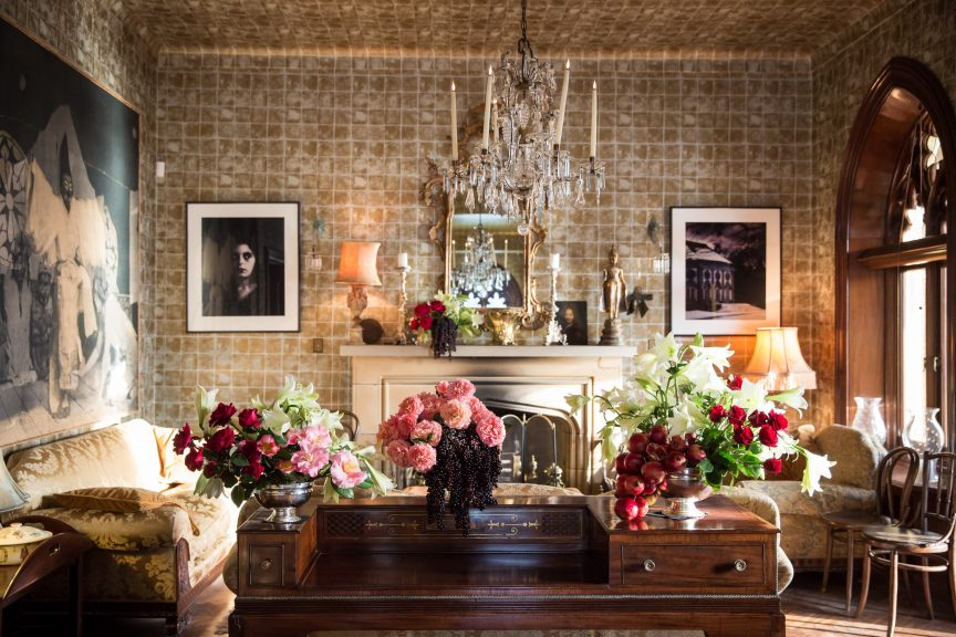 using luxury styling and luxury staging to create aspirational spaces that sell